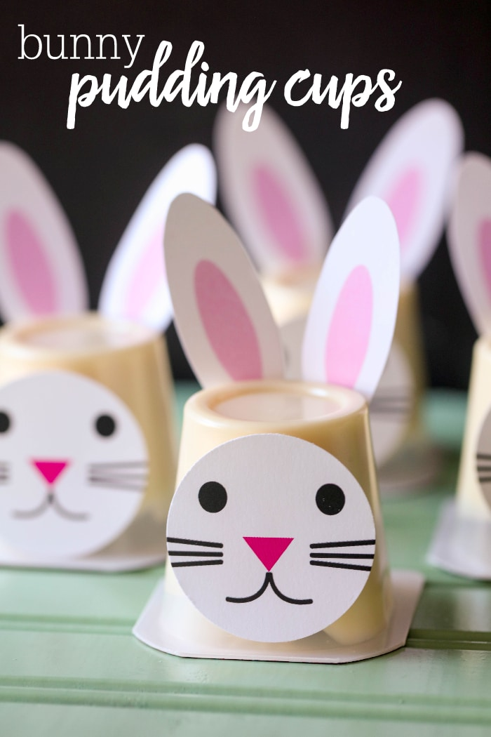 Easter Bunny Pudding Cups!! Such a cute idea for Easter parties and events. Get the free prints for these bunnies on lilluna.com