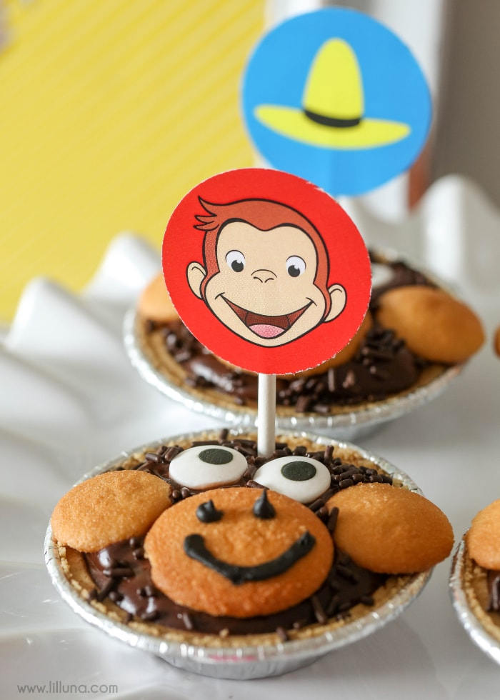 Curious George Party - free printables and recipe ideas to help you celebrate your favorite monkey - now streaming only on Hulu. #CuriousGeorgeonHulu