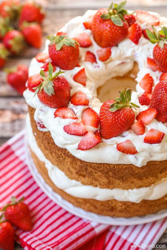 Strawberries and Cream Angel Food Cake - a sweet and delicious dessert ...