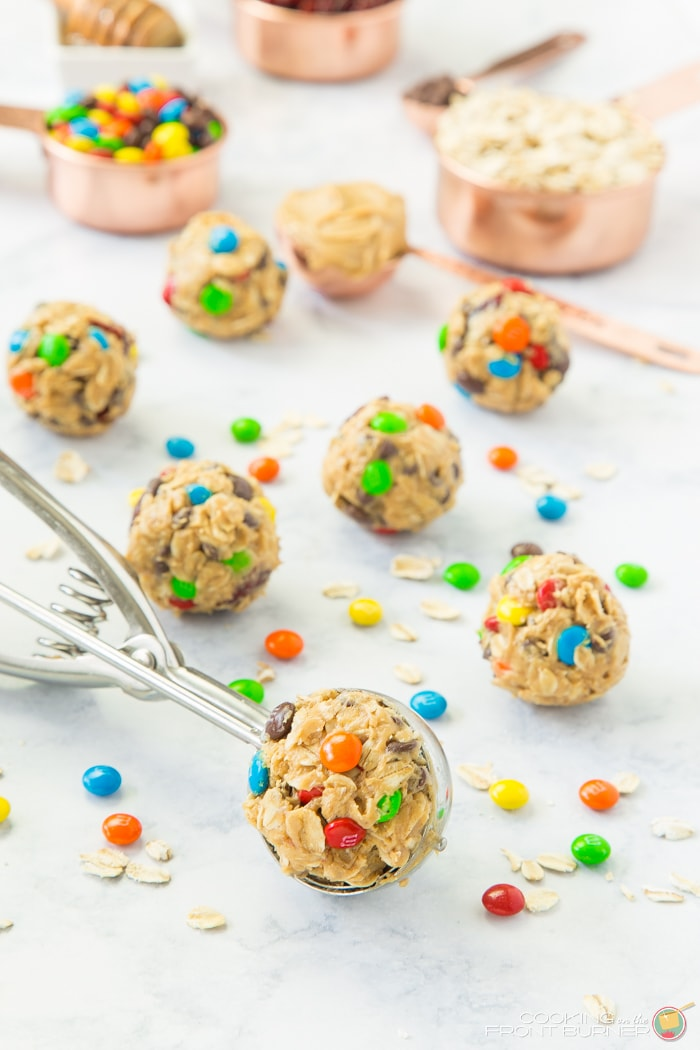 Peanut Butter and M&M's Snack bites are perfect for quick energy! Peanut butter, honey, oats, M&M's, chocolate chips, and craisins!! SO DELICIOUS!