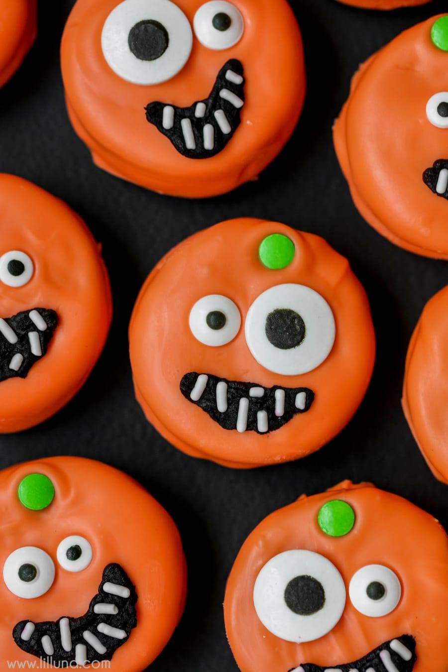 Cute Halloween Makeup Ideas: Bat Pudding Cups