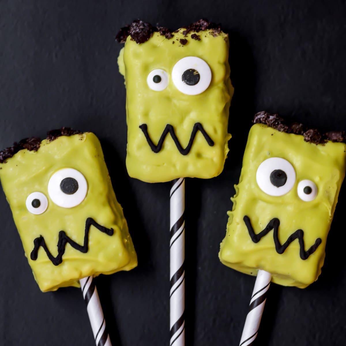 Frankenstein Rice Krispies Treats o straws