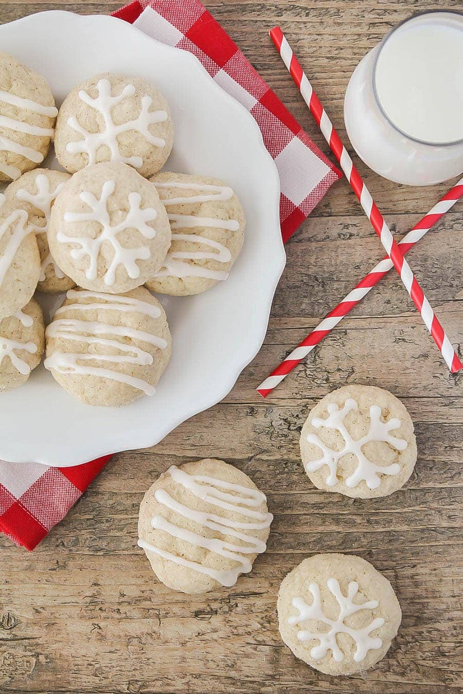 Eggnog Snickerdoodles - made with eggnog and a splash of rum extract in the dough, then rolled in a nutmeg and cinnamon mixture. SO yummy!!