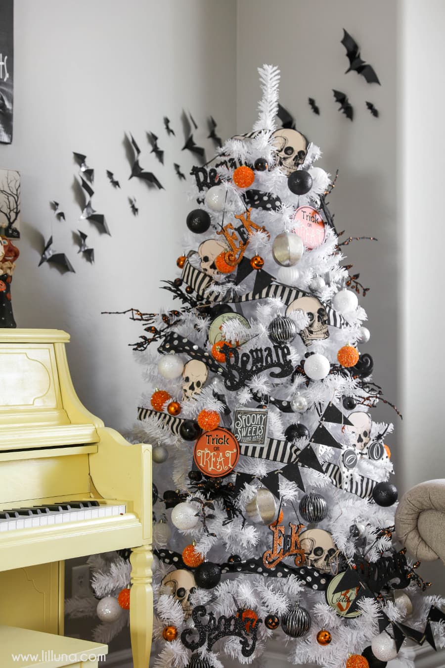 halloween tree a great idea to add to your halloween decor this year - Halloween Home Decor