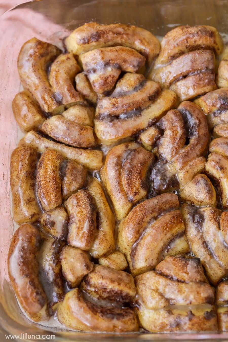 Pumpkin Cinnamon Roll Bites - delicious cinnamon sugar bites covered in pumpkin spice and a delicious glaze.