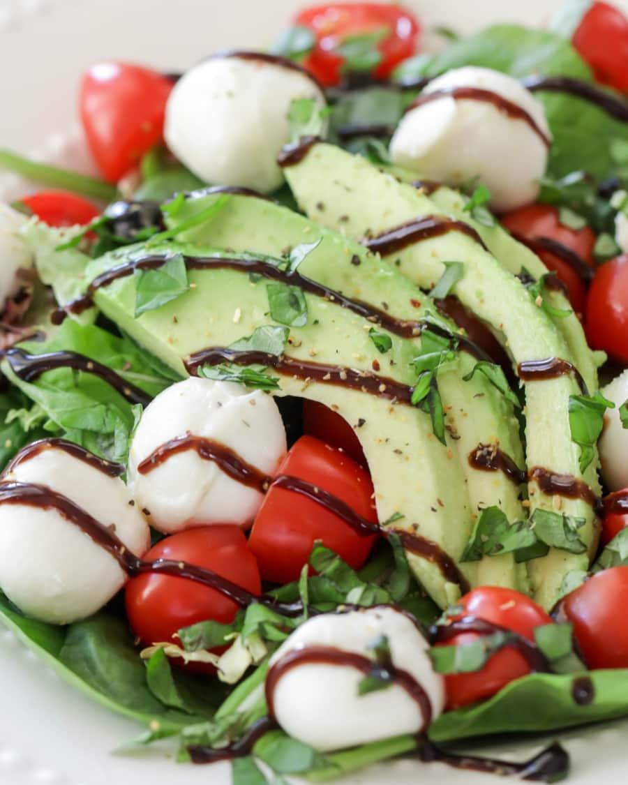 Quick Caprese Salad - Lil' Luna