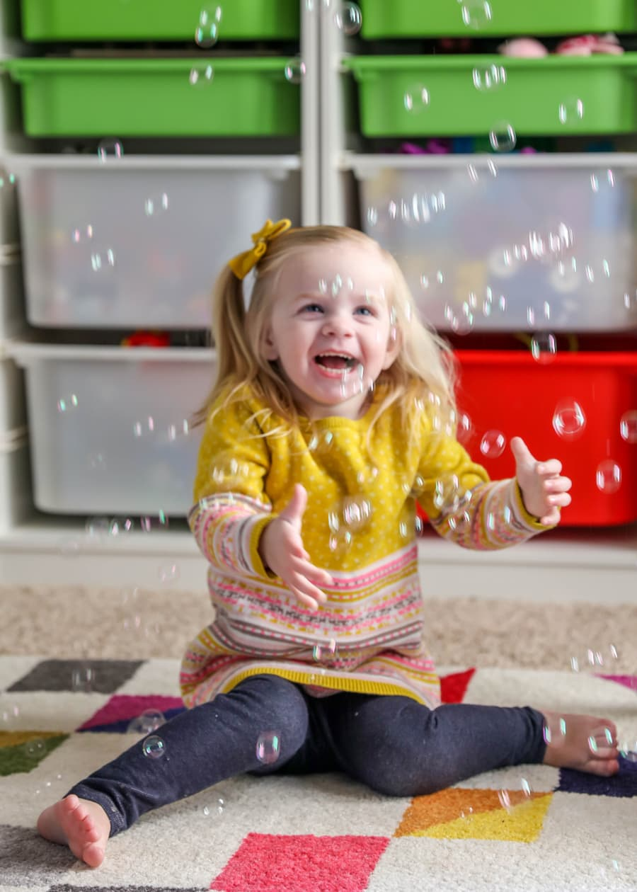 20 Indoor Activities for Little Ones - simple activities that are perfect for snowy or even hot days!