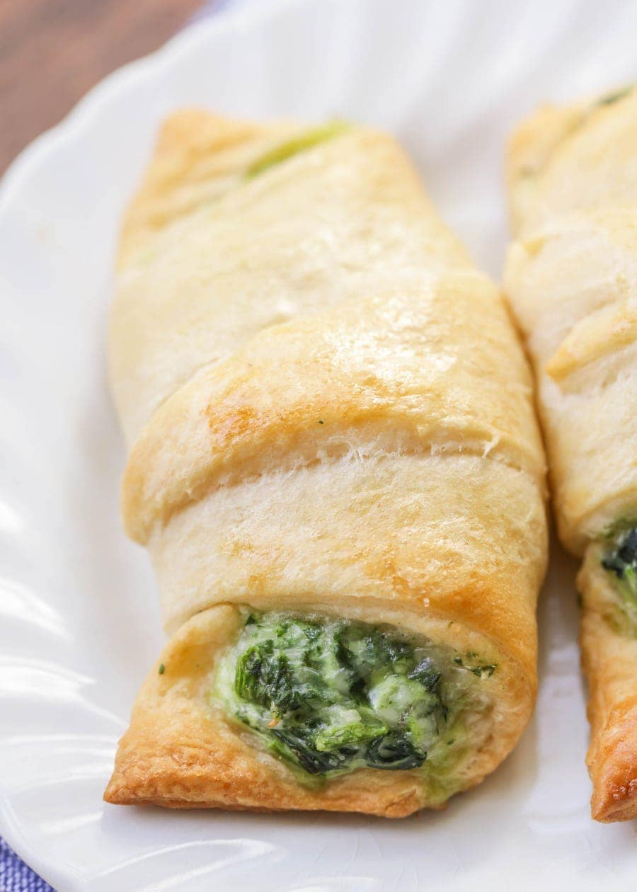 Easy Cheesy Spinach Rolls - crescent rolls stuffed with spinach and cheese making for a quick and simple lunch, dinner or appetizer recipe.