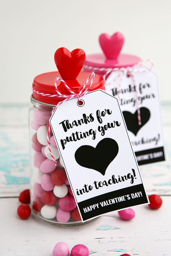 20+ Handmade Valentines - a handful of super cute, printable Valentines! Perfect for classroom Valentines!! { lilluna.com }
