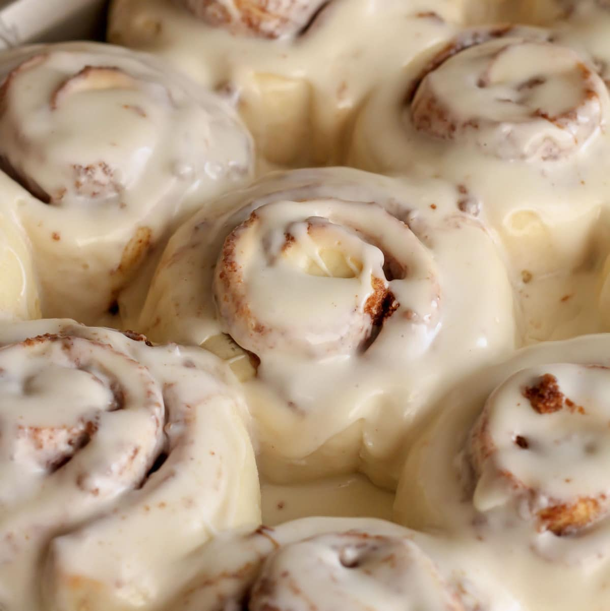 Easy Cinnamon Rolls - close up pic
