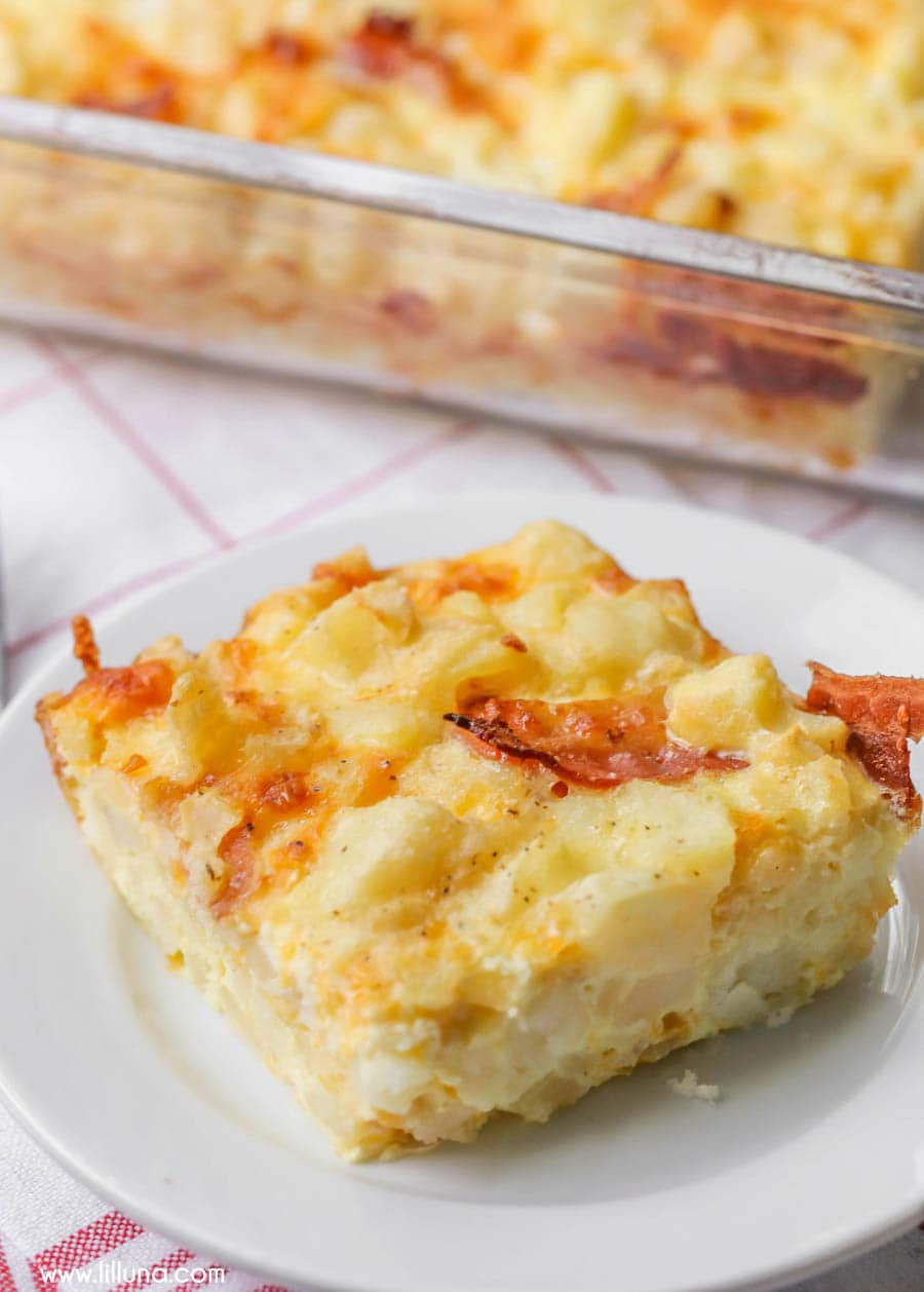 A Quick And Simple Breakfast Casserole Filled With Eggs Cheese Potatoes Bacon