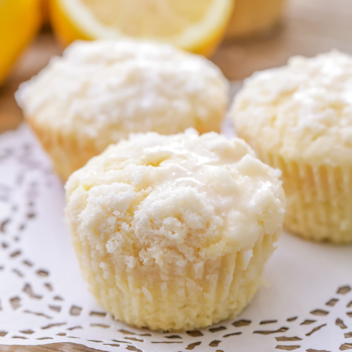 Lemon muffins with crumb topping and a lemon glaze