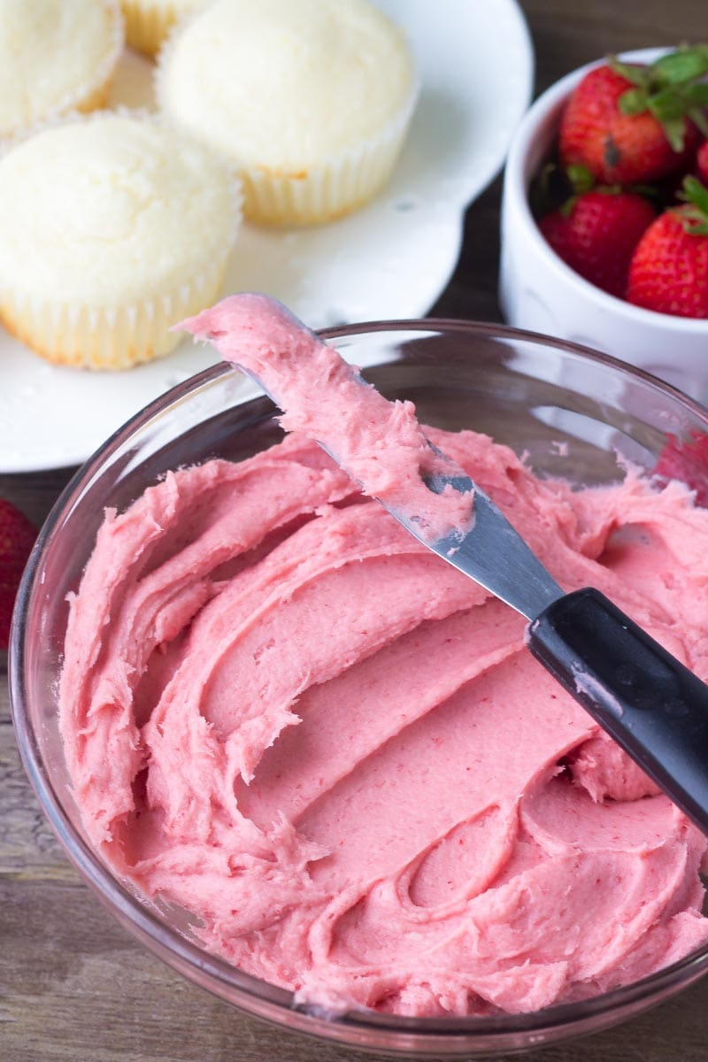 Fresh berry Strawberry frosting for strawberry lemonade cupcakes
