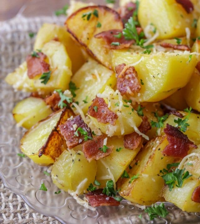 oven roasted potatoes with parsley and bacon