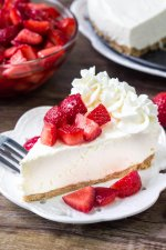 No Bake Cheesecake with Strawberry Topping