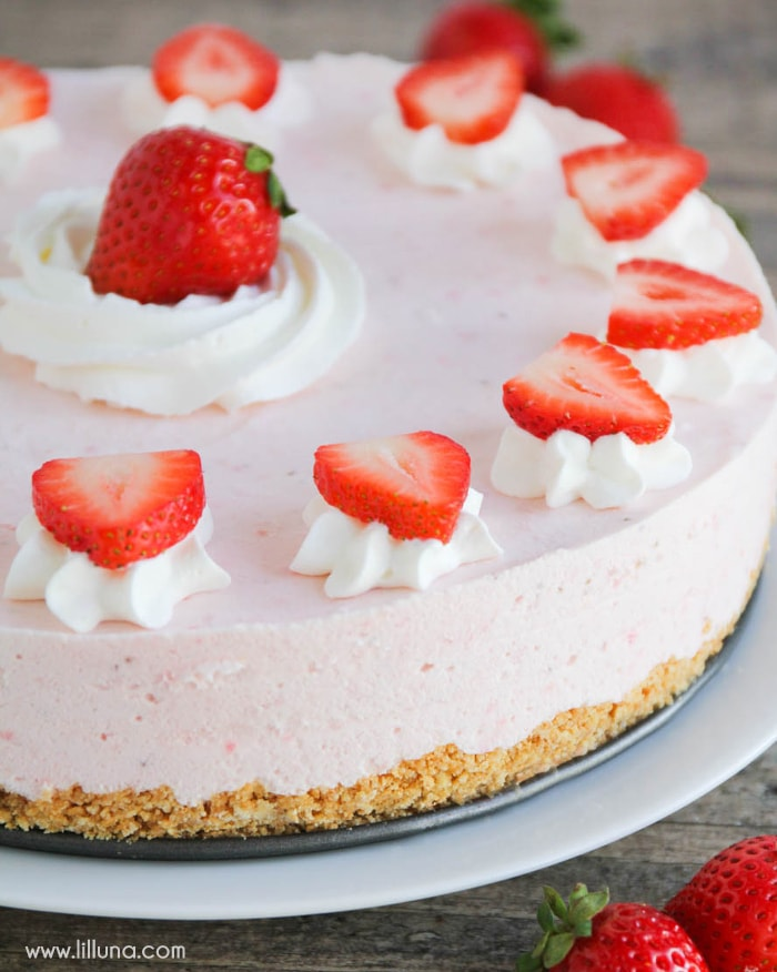 strawberry-freezer-cake-5