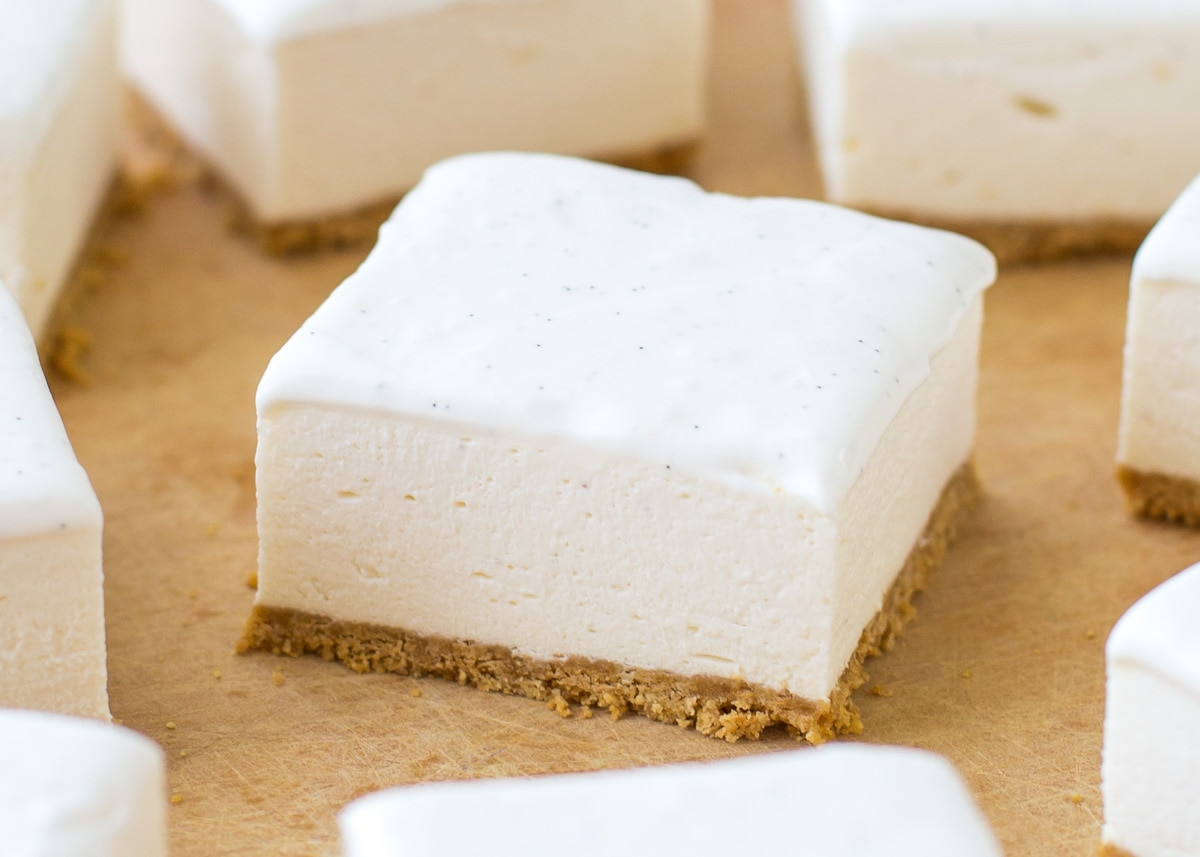 No bake cheesecake bars without any topping