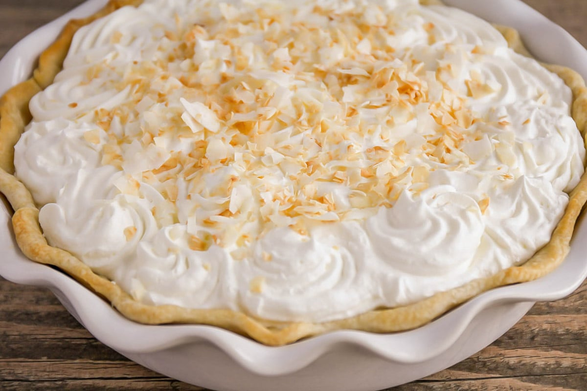 Easy coconut cream pie in a pie pan