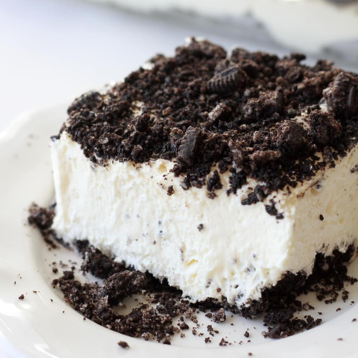 Delicious Oreo Dirt Cake Recipe VIDEO