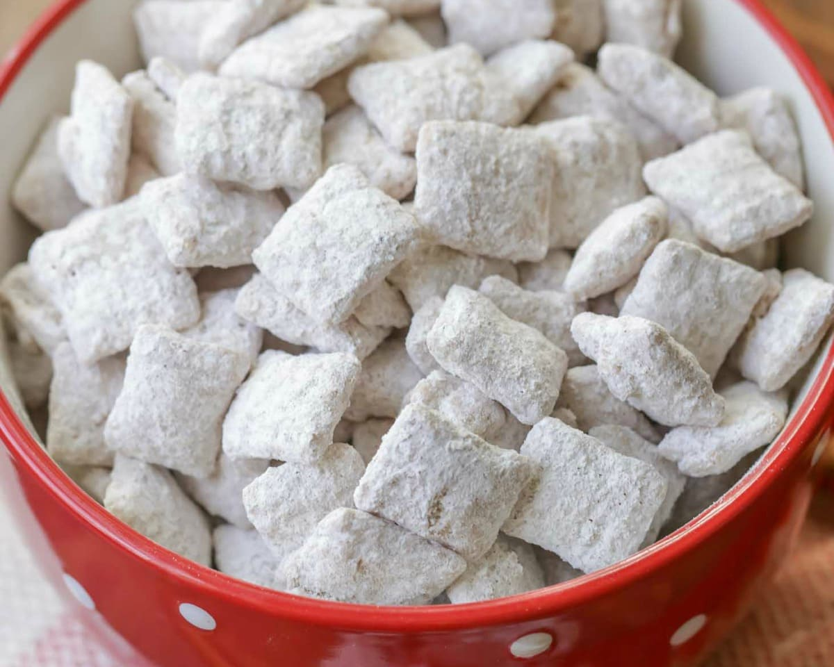A bowl full of snickerdoodle puppy chow