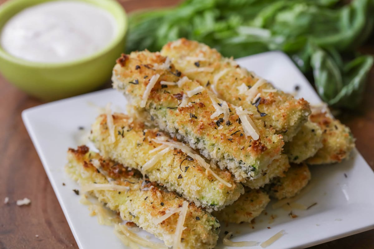 Baked zucchini fries - a healthy Christmas appetizer
