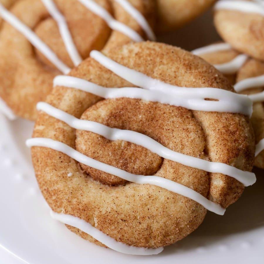 853369c562 The BEST Cinnamon Roll Cookies | Lil' Luna