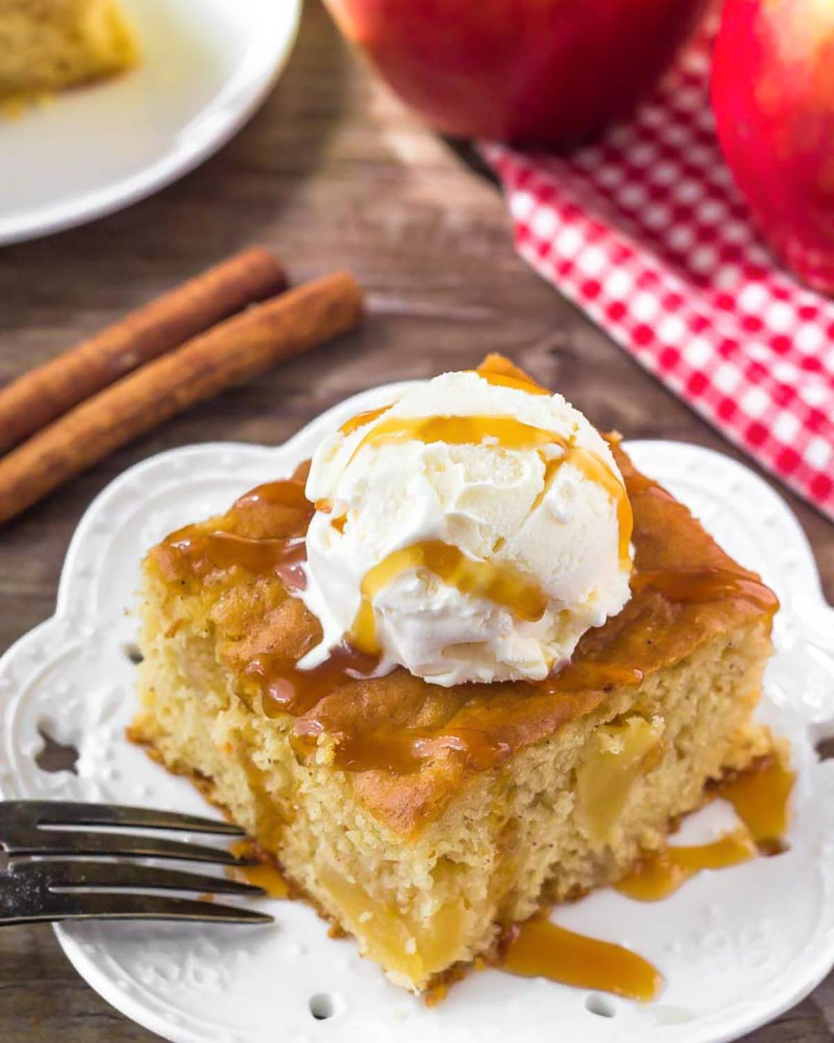 EASY Apple Cake Recipe {5 Ingredients!}