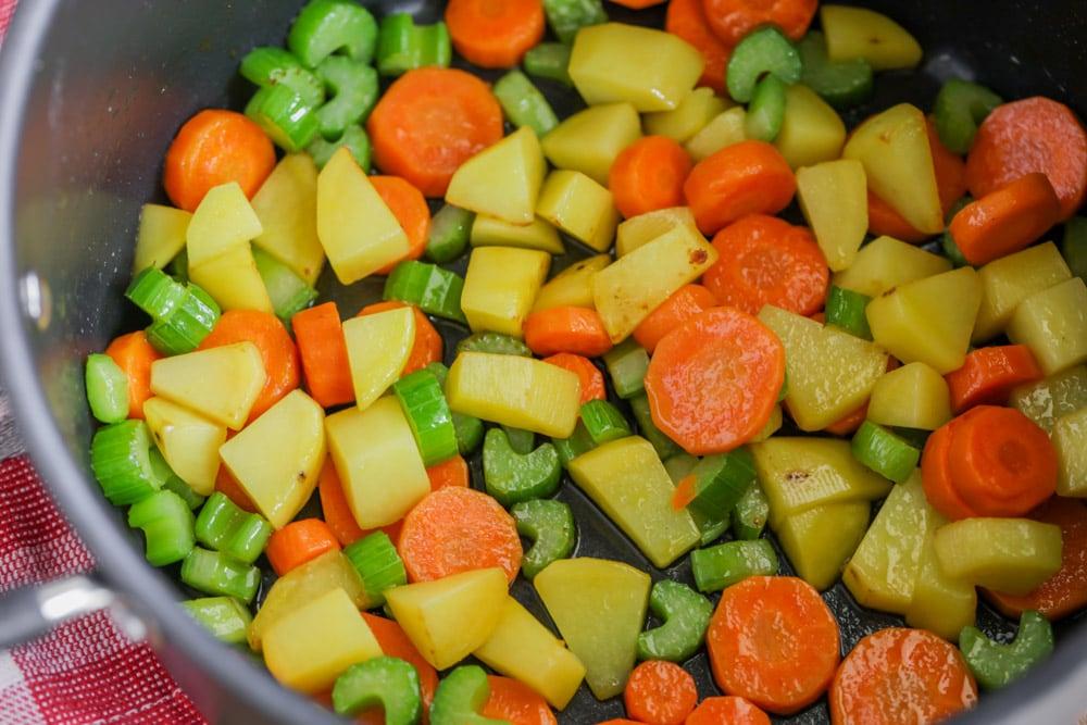 Chicken pot pie soup veggies