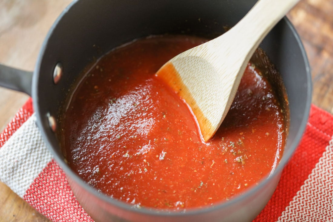 How to make red pizza sauce process image