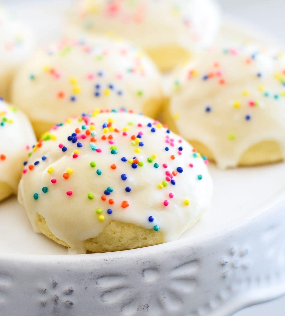 Italian Cookies Aka Italian Wedding Cookies Lil Luna