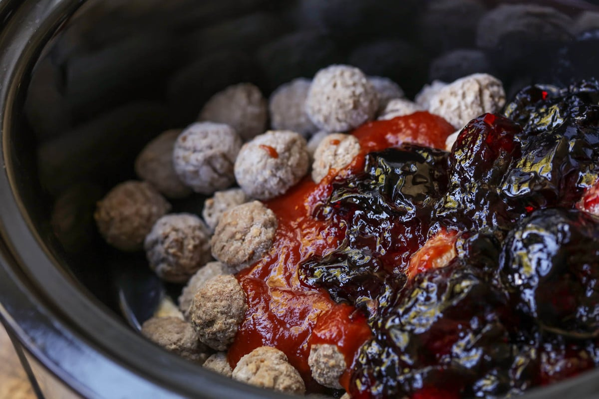 Grape Jelly Meatballs Just 3 Ingredients Lil Luna