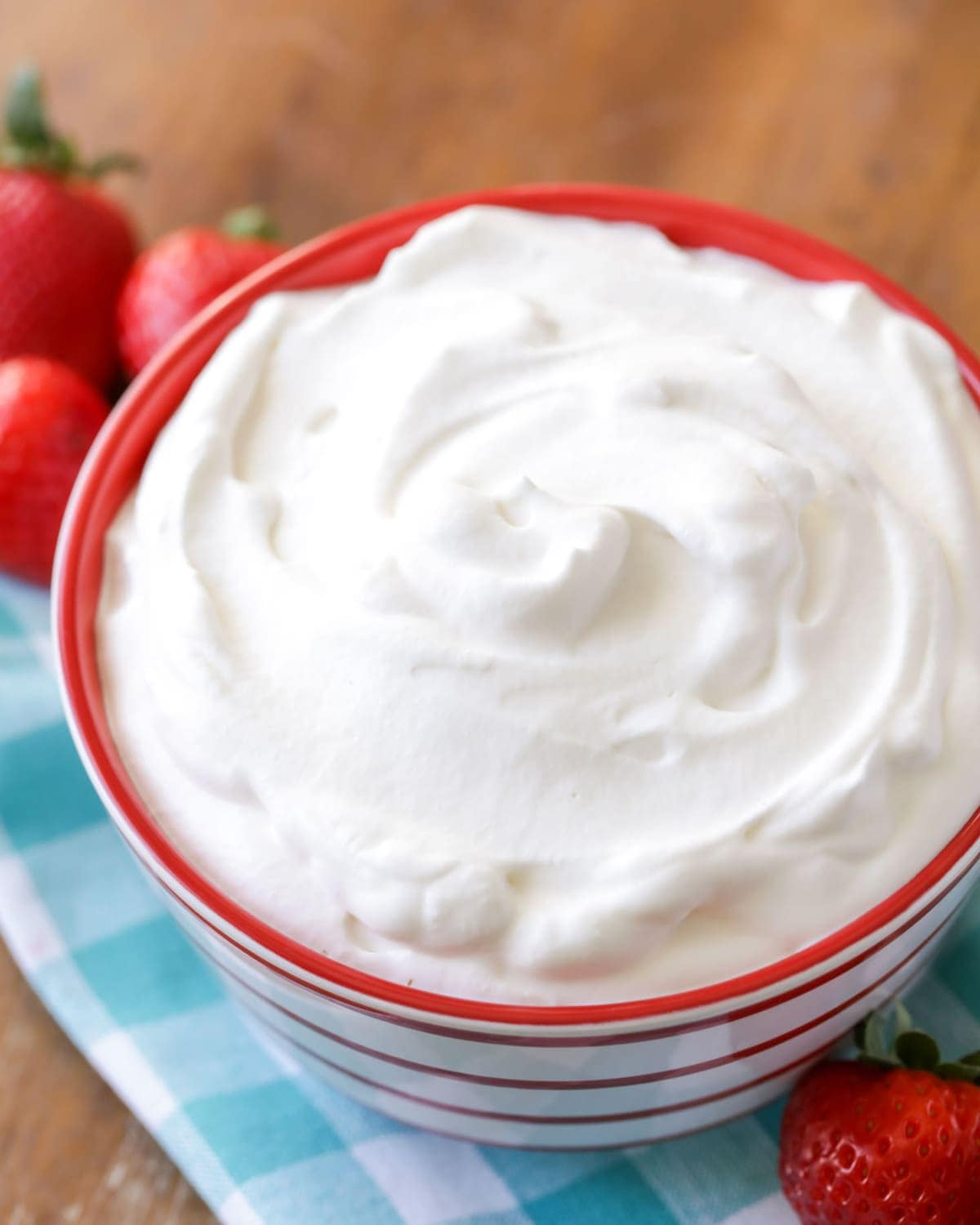 Homemade Whipped Cream - Step by Step (+VIDEO) | Lil' Luna