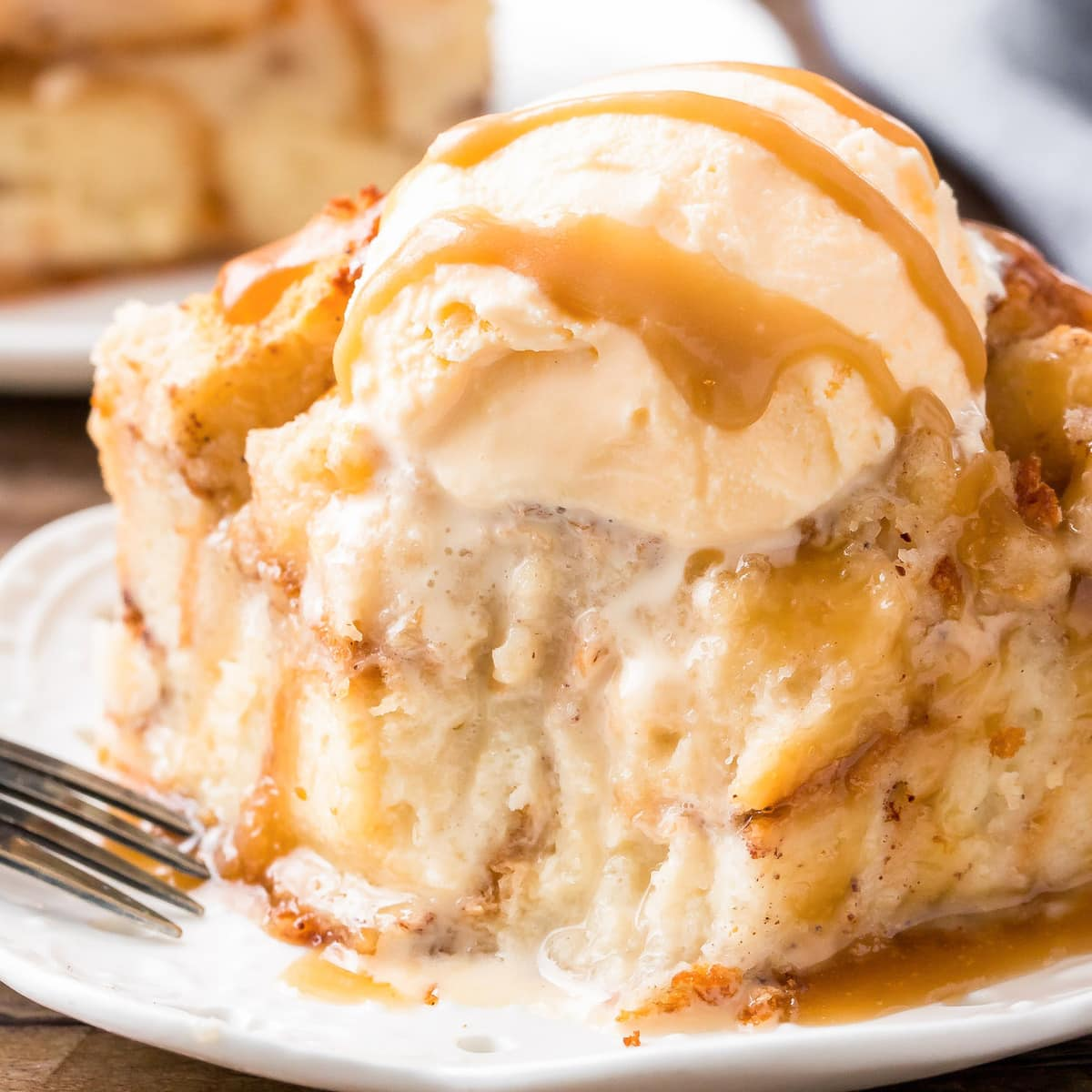 Bread pudding recipe with caramel sauce and ice cream