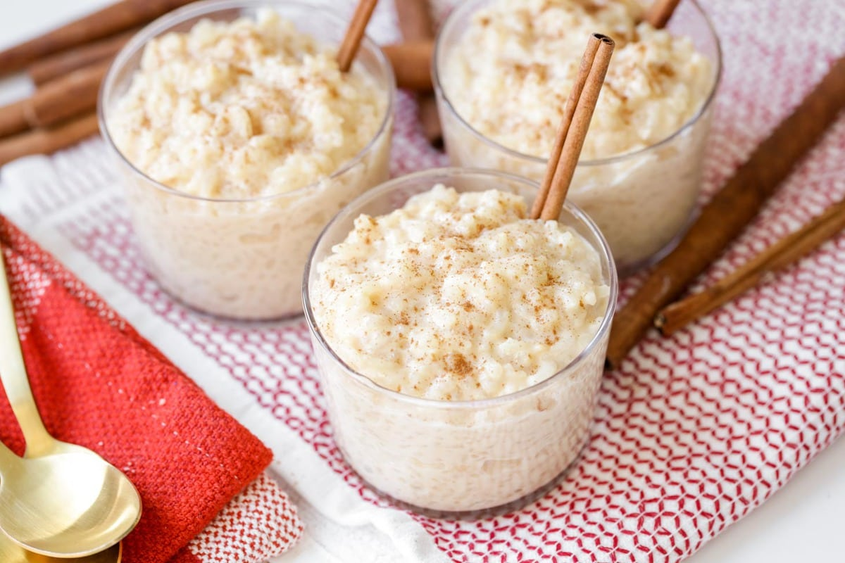 Arroz con leche in glasses