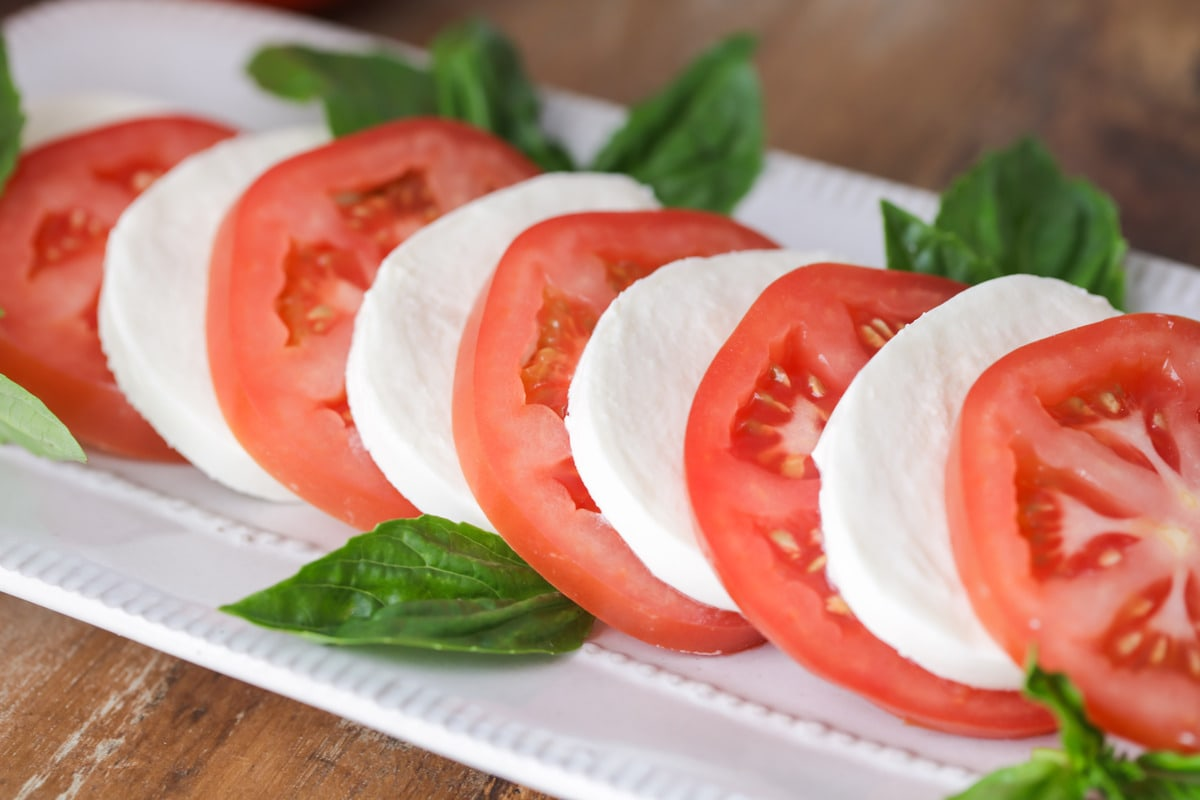 Tomato and mozzarella salad with fresh basil
