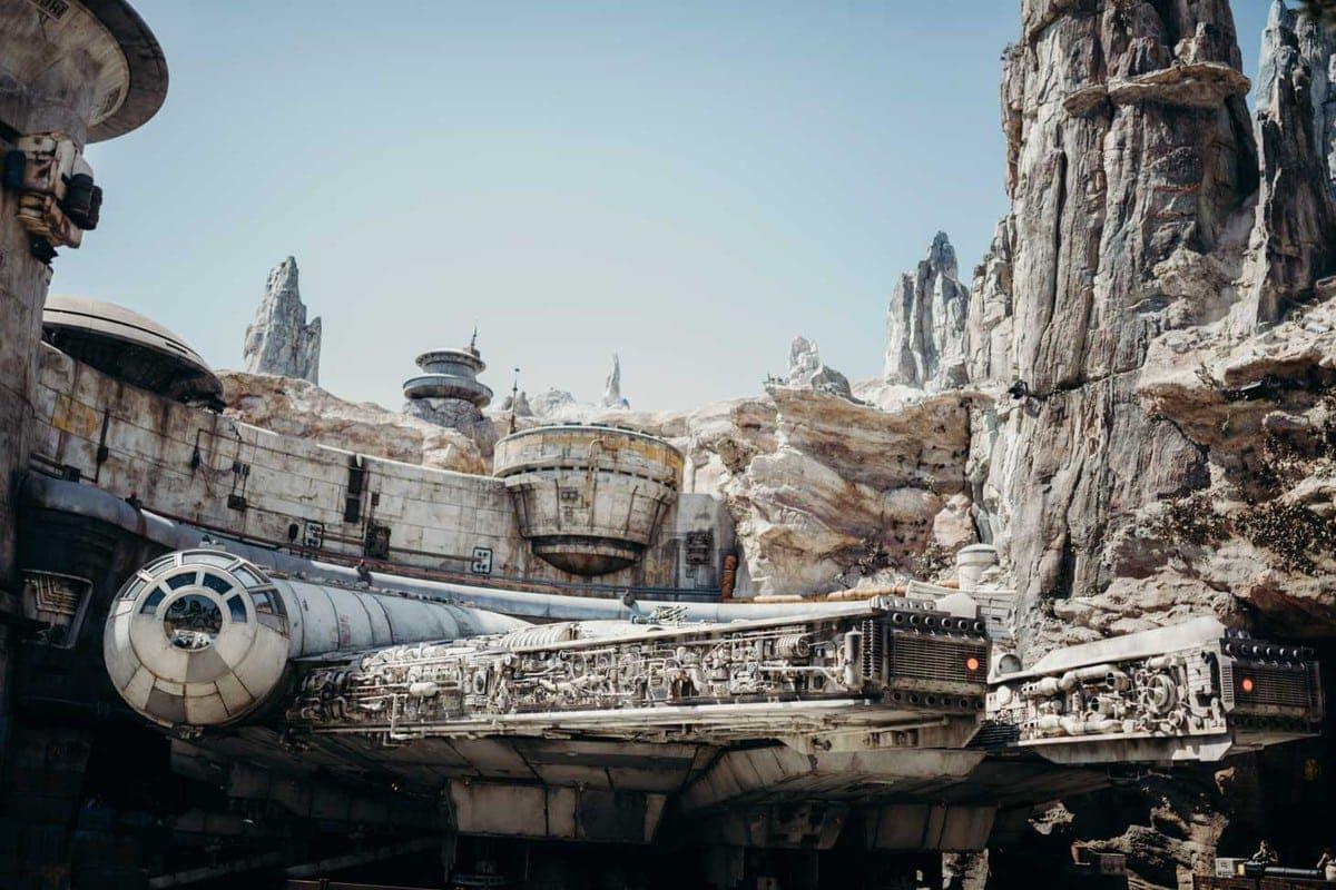 Star Wars Land Millenium Falcon