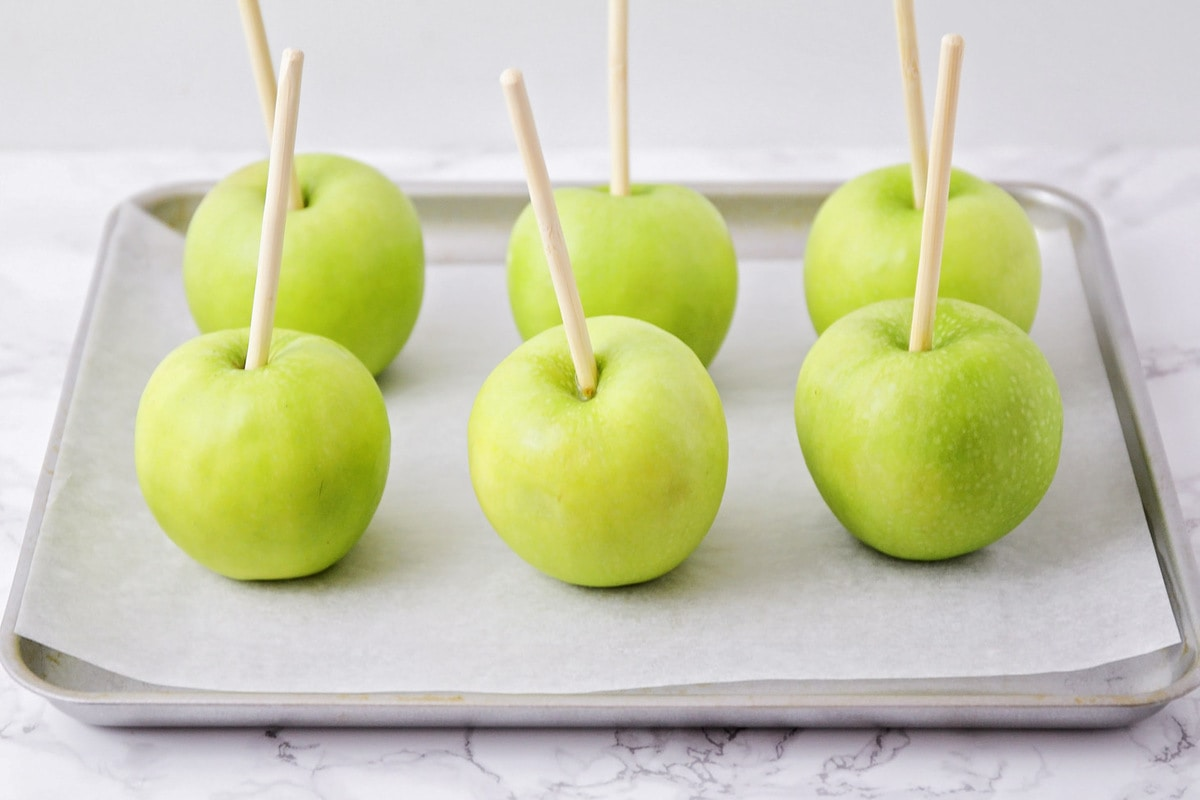 How to make caramel apples process pics