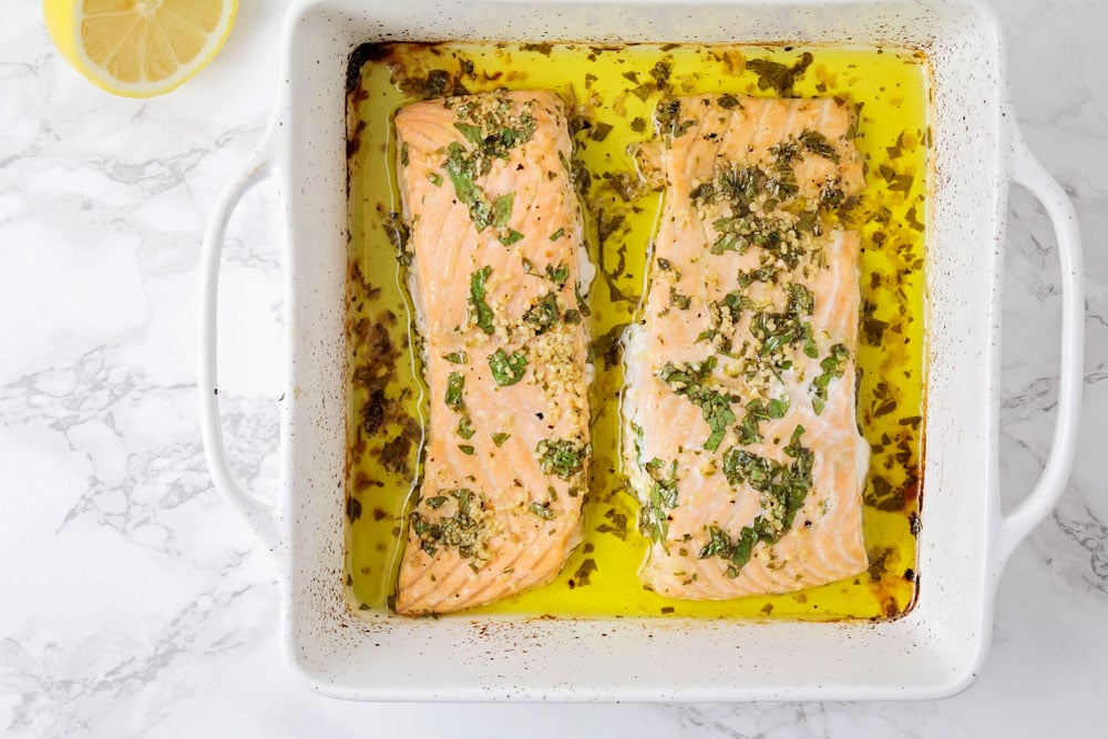 How to bake salmon in a casserole dish