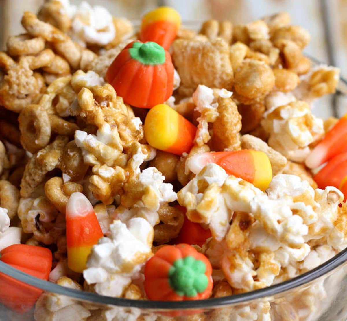 Halloween snacks - pumpkin snack pix