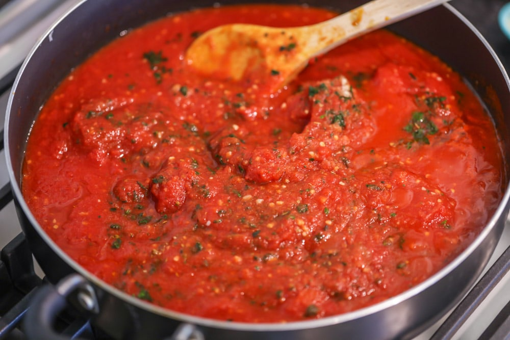 How to make marinara sauce in a saucepan