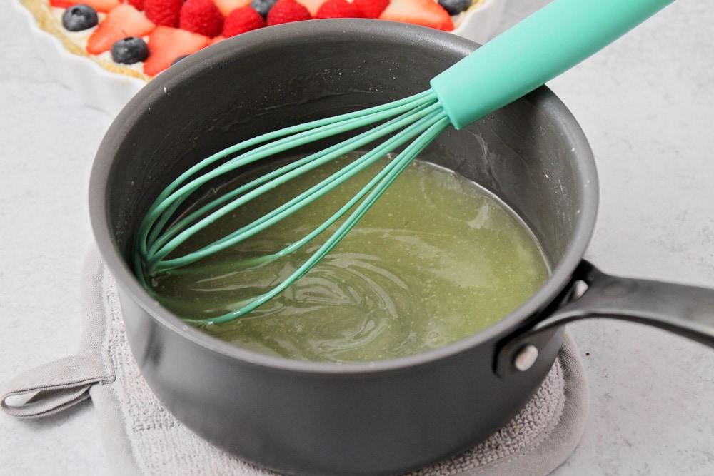 Fruit tart glaze in pan