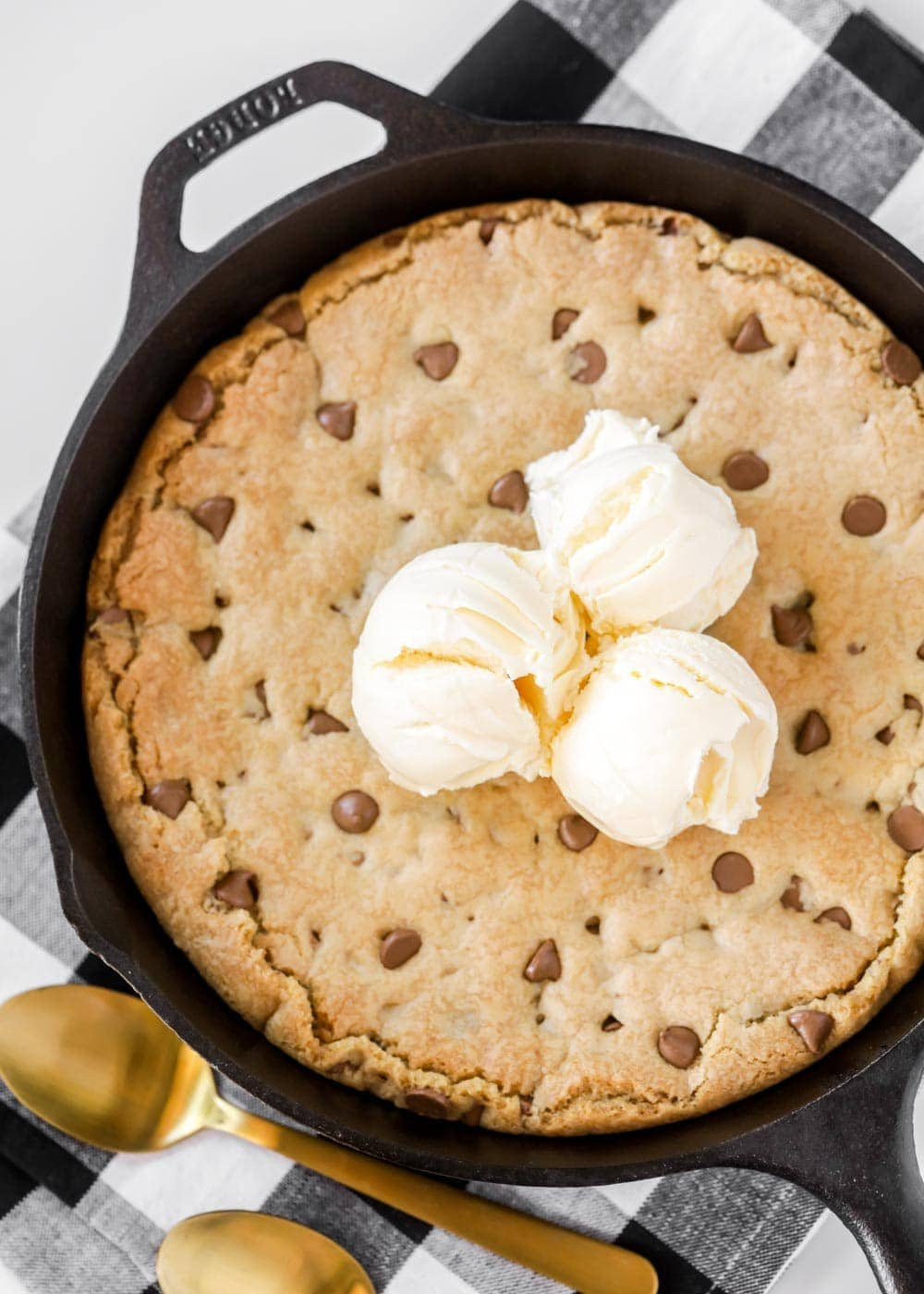 Pizookie recipe with ice cream on top