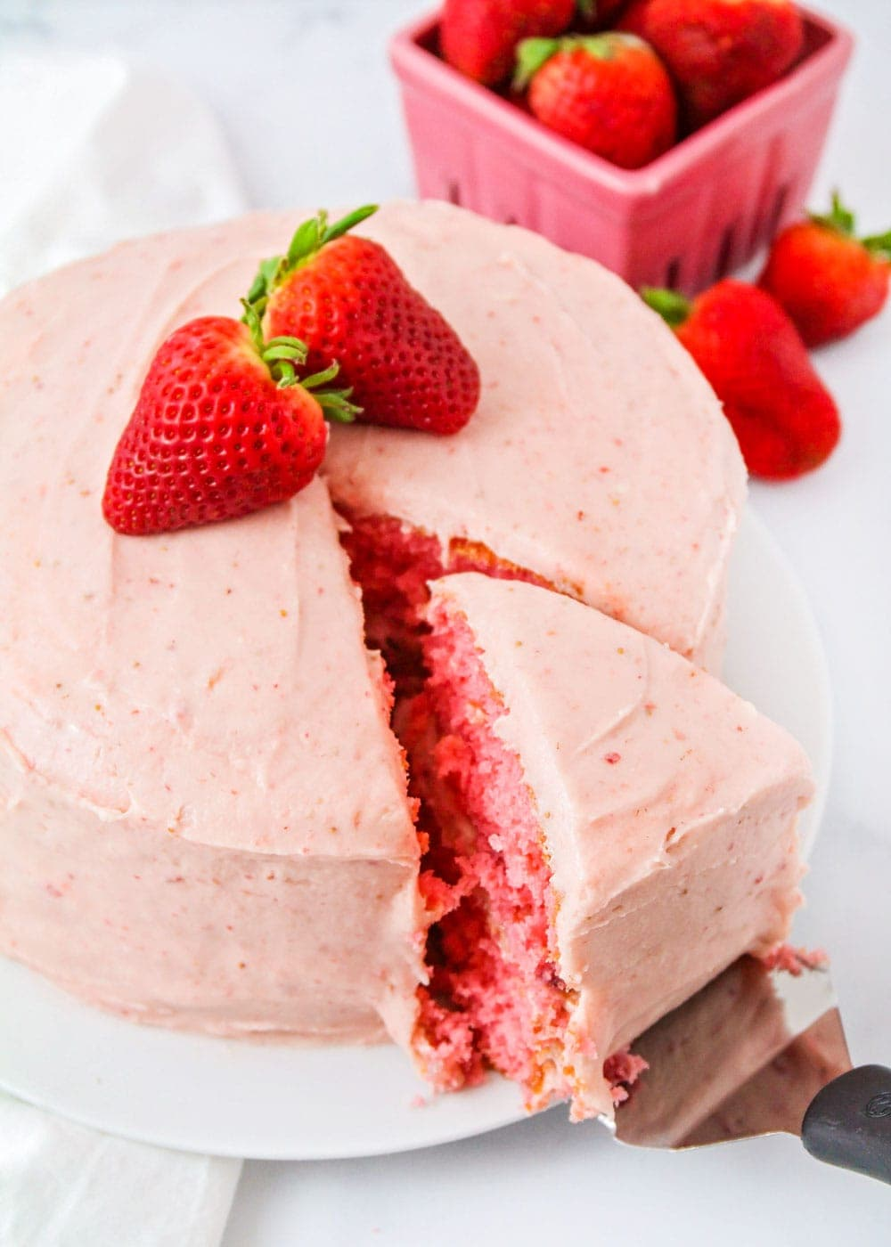 Strawberry frosting closeup pic