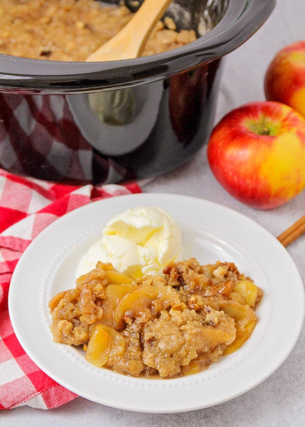 Crock pot apple crisp recipe in bowl