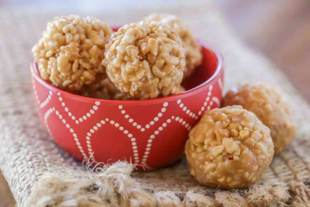 Rice Krispie balls in bowl