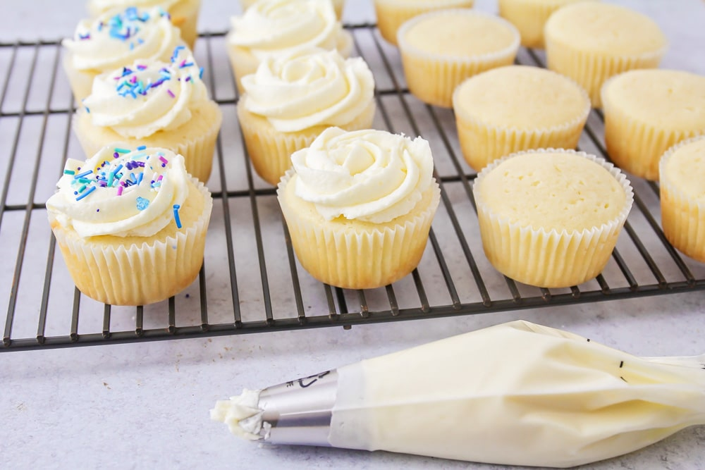 Best vanilla cupcake recipe with frosting on top
