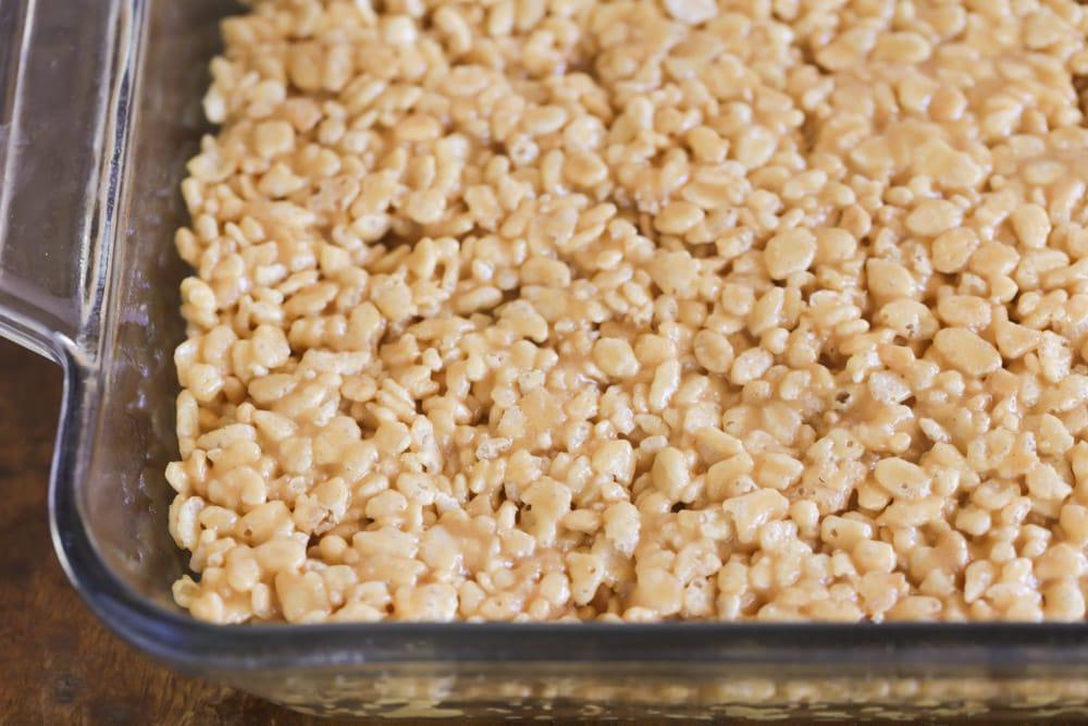 Rice Krispie scotcheroos in baking pan