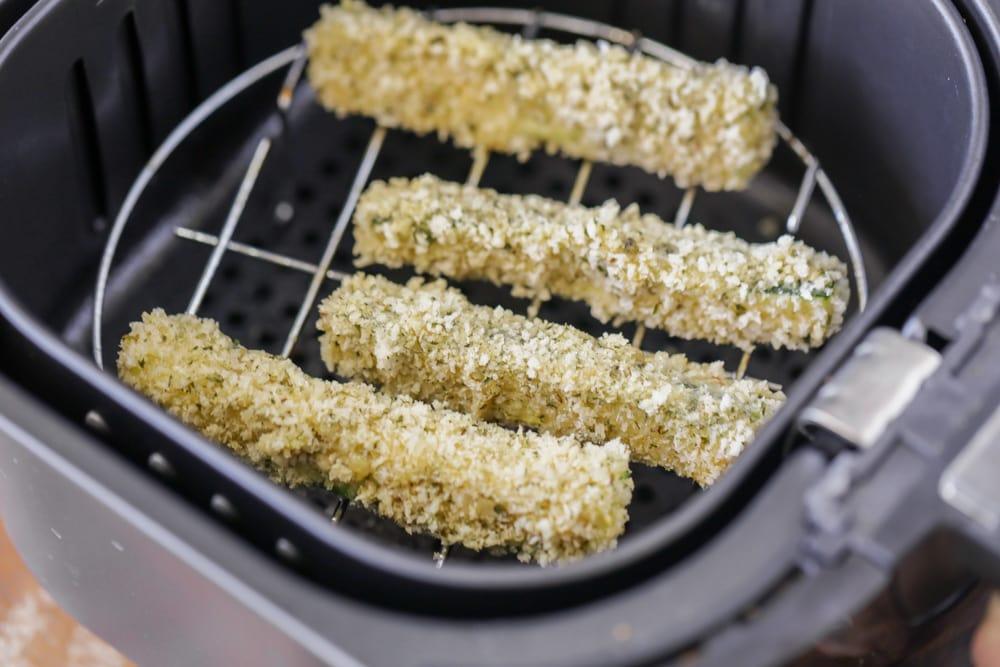 Breaded zucchini in air fryer