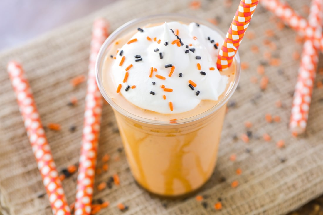 A copycat version of the delicious Pumpkin Pie Milkshake found at Aunty Gravity's at Magic Kingdom. This delicious shake will sure bring magic into your home and is a delicious fall treat to make!