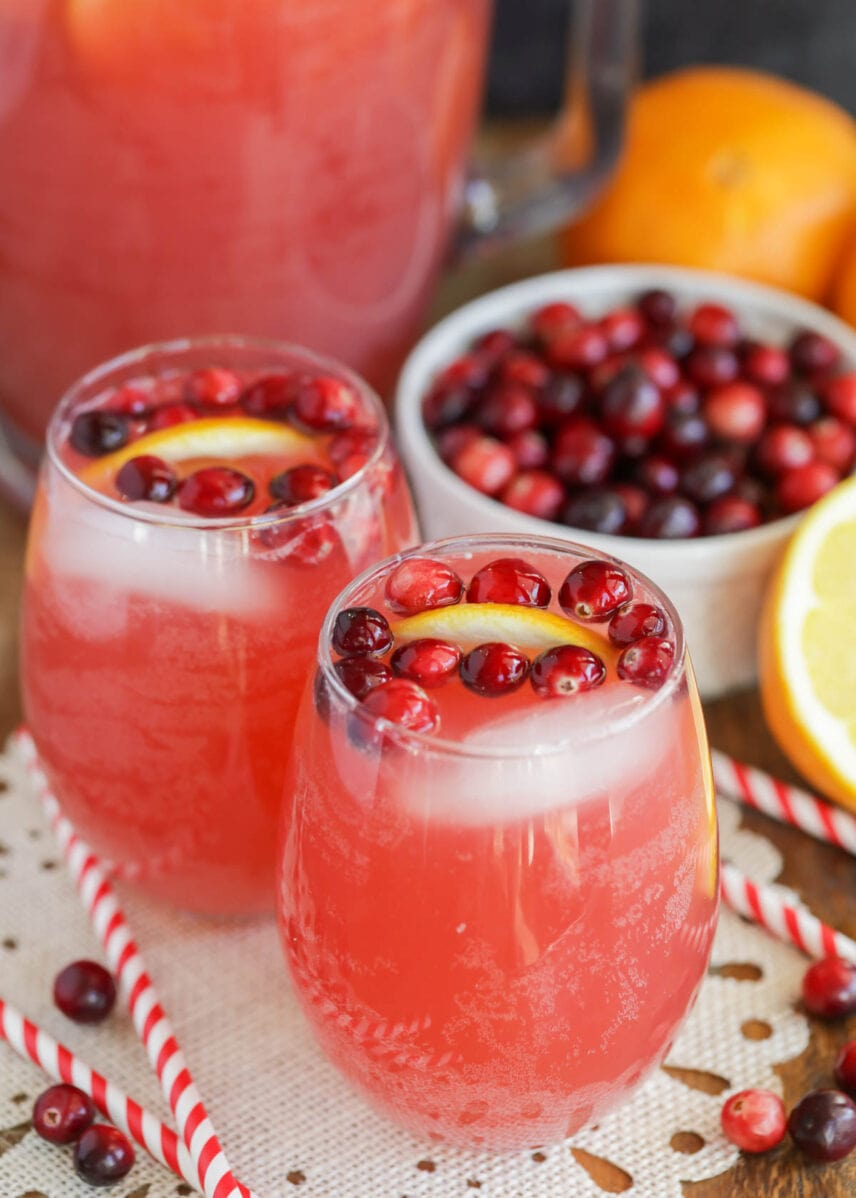 Non-alcoholic Christmas punch recipe in glasses